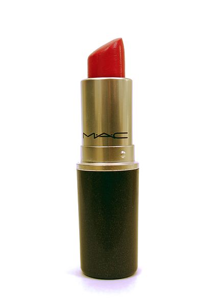 417px-MAC_pink_lipstick_(1) wikimedia commons, copyright to attribution