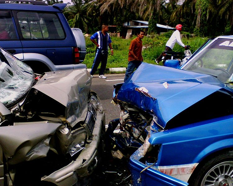 Car Crash, source wikimedia commons, copyright to attribution